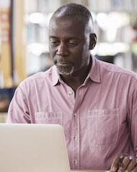 https://www.rosemont.edu/admissions/img/rosemont-online-older-male.jpeg